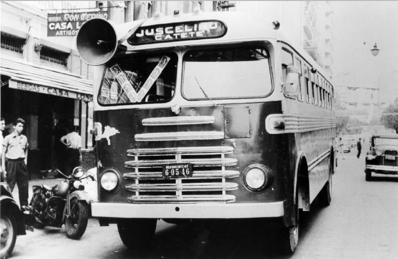 Campanha presidencial de Juscelino Kubitsheck. Rio de Janeiro, setembro de 1955. Arquivo Nacional. Foto Élio Rossi.