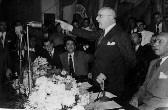 Cristiano Machado discursa durante a campanha presidencial. Salvador, entre 17 e 19 de junho de 1950. FGV/CPDOC. Arq. Cristiano Machado.