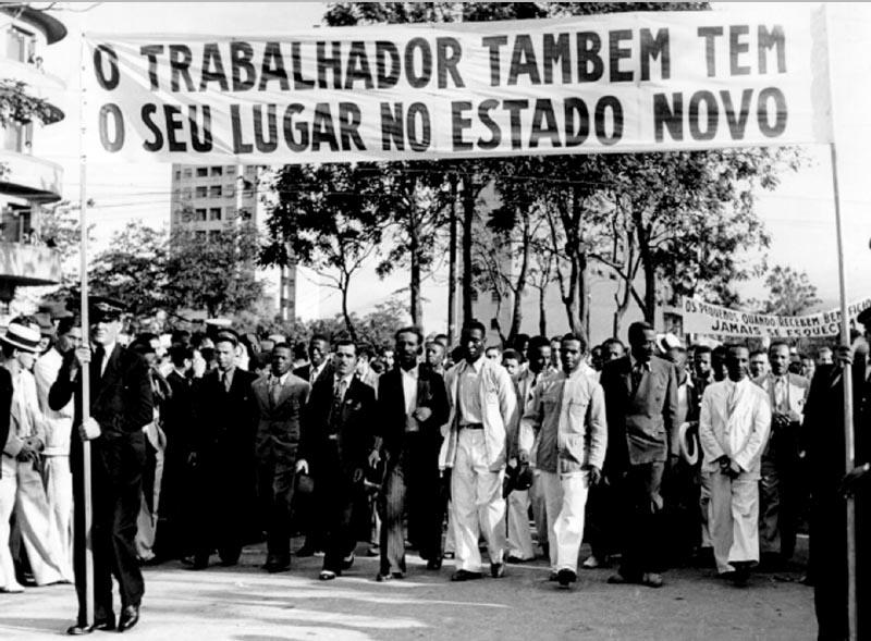 Homenagem a Getúlio Vargas na esplanada do Castelo. Rio de Janeiro, 9 de novembro de 1940. Arquivo Nacional.