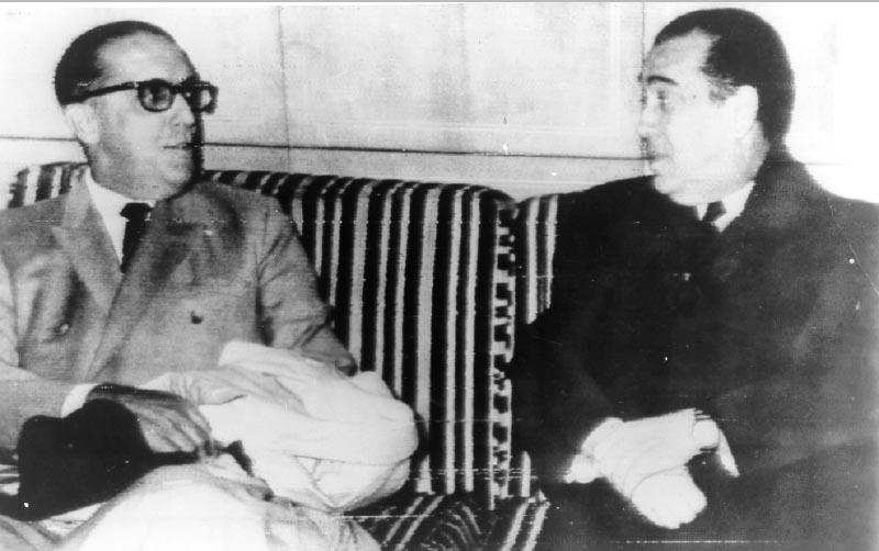 Encontro de Juscelino Kubitsheck e Carlos Lacerda para formação de partido de oposição ao governo. Lisboa, 13 de janeiro de 1967. Arquivo Nacional.