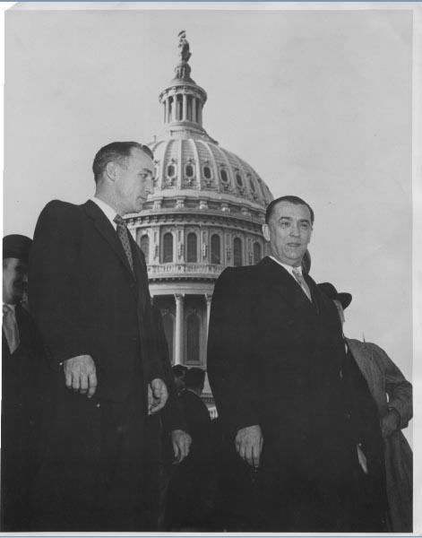 Encontro entre Juscelino Kubitsheck e Zeake Johnson Jr., da Câmara de Representantes norte-americana. Washington (EUA), 1956. Arquivo Público do Estado de São Paulo/Última Hora.
