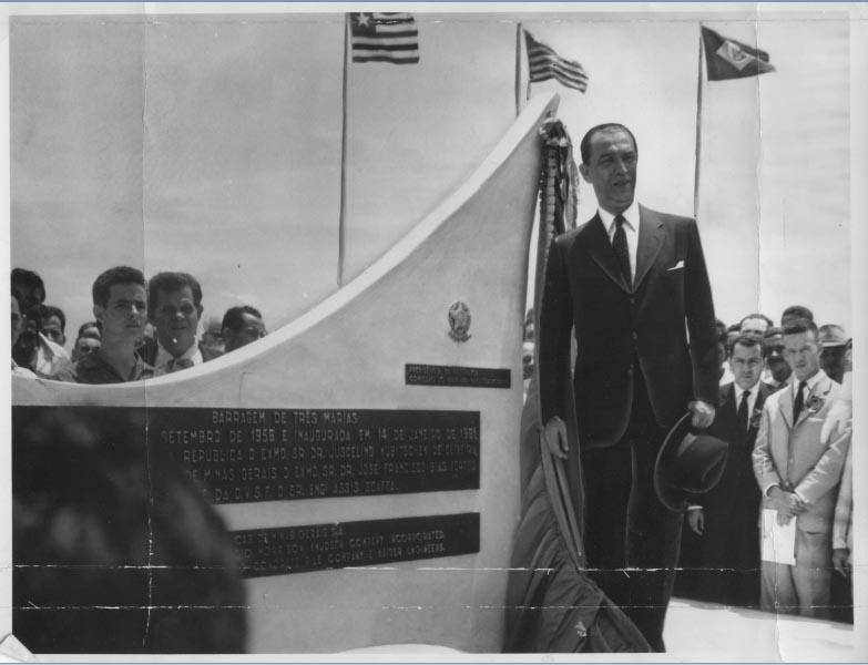 Juscelino Kubitsheck inaugura a barragem de Três Marias. Minas Gerais, 14 de janeiro de 1961. Arquivo Público do estado de São Paulo/Última Hora.