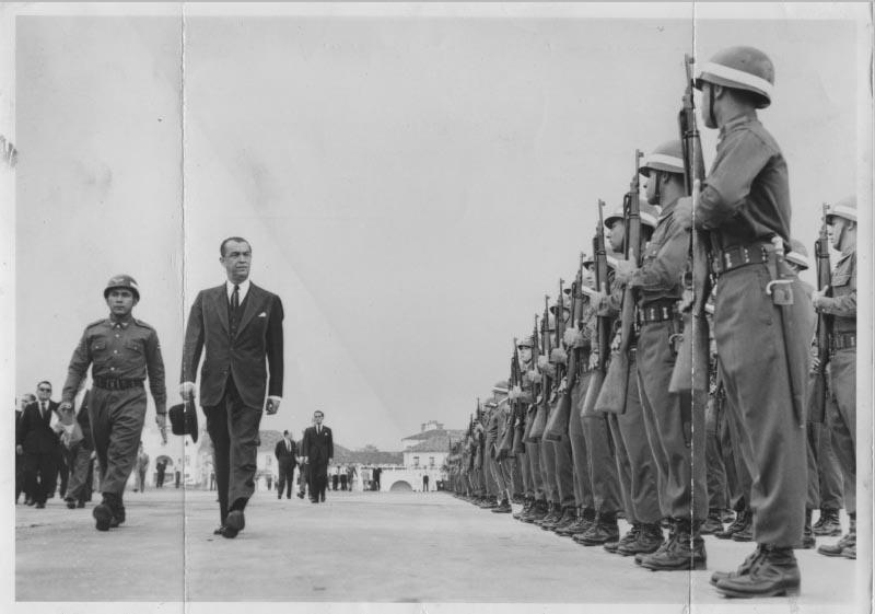 Juscelino Kubitsheck inaugura nova pista do aeroporto do Galeão. Rio de Janeiro, 19 de julho de 1960. Arquivo Público do Estado de São Paulo/Última Hora.