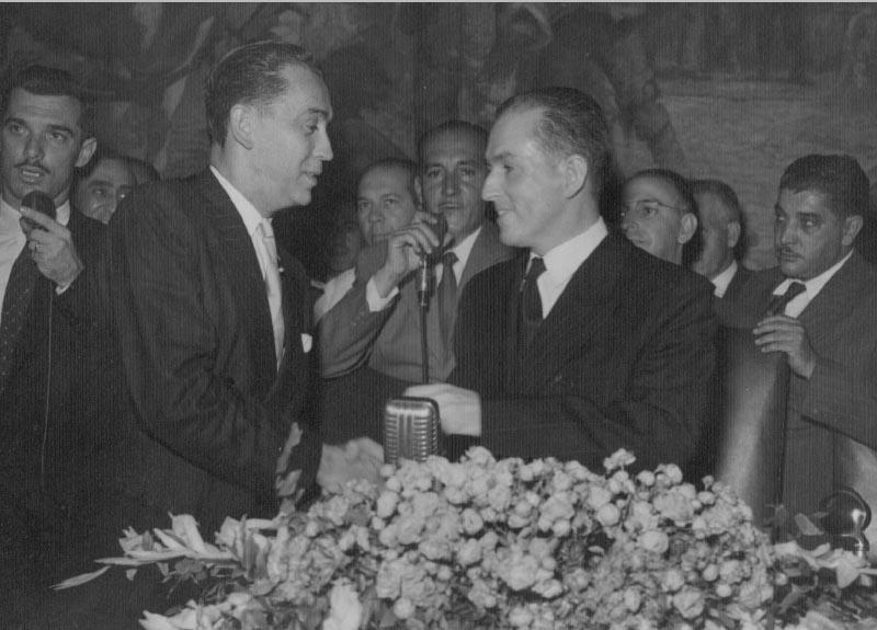 Mílton Campos e Juscelino Kubitsheck por ocasião da posse deste no governo de Minas Gerais. 31 de Janeiro de 1951. Memorial JK.