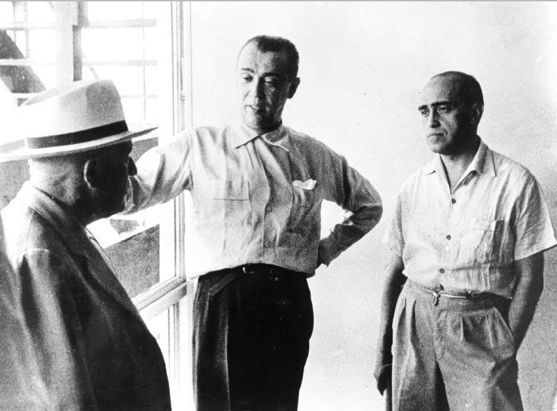 Juscelino Kubitsheck e Oscar Niemeyer. S.I., s.d. Arquivo Público do Distrito Federal.