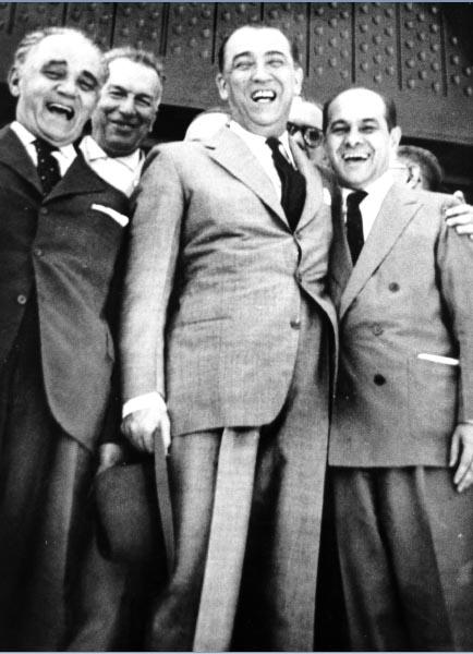 Tancredo Neves em campanha para o governo de Minas Gerais, ao lado de Juscelino Kubitsheck e Bias Fortes. Minas Gerais, 1960. FGV/CPDOC, Arq. Tancredo Neves.